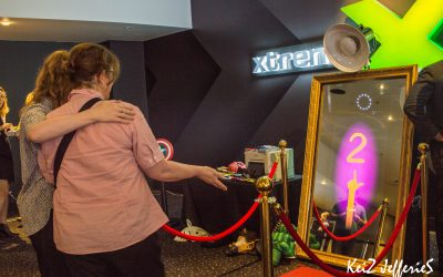 Mirror Photobooth Melbourne – Entertainment For Your Corporate Event