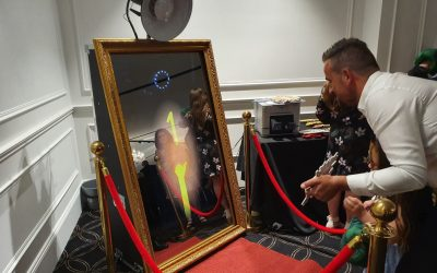 Hire Mirror Photo Booth Melbourne For Your Engagement Party